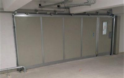 Installation de portes coupe feu coulissantes avec portillons de service