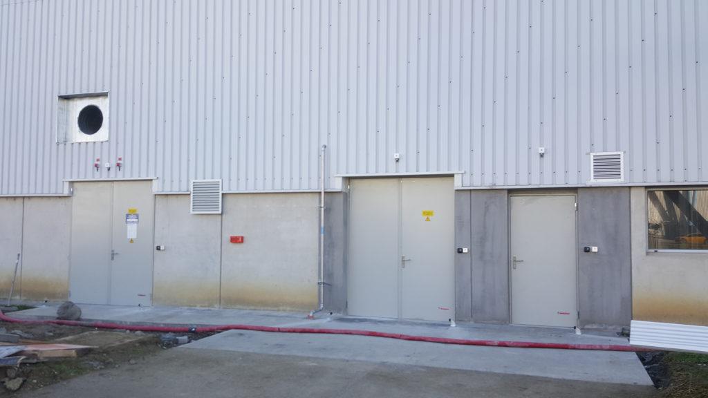 Nos équipes ont posé 14 blocs portes EI60 non coupe-feu pour garantir la sécurité du bâtiment.