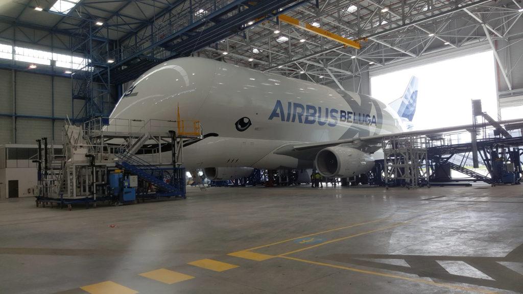 Le bâtiment accueillera le nouveau Beluga XL d'Airbus pour sa maintenance.