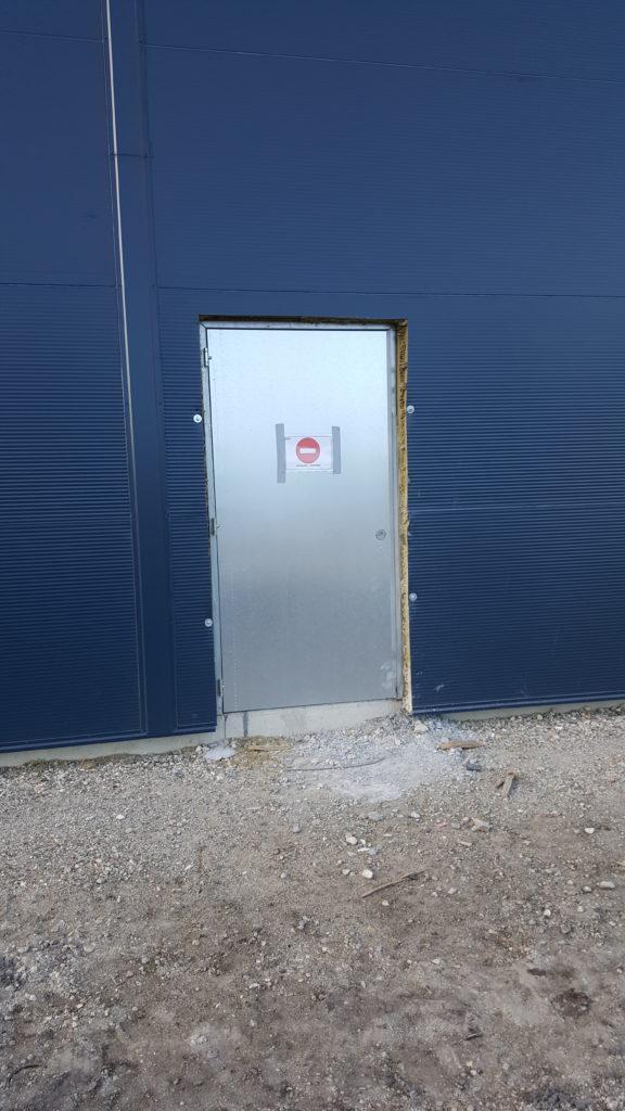 Portes issues de secours CR2 et IE120 à Arsac