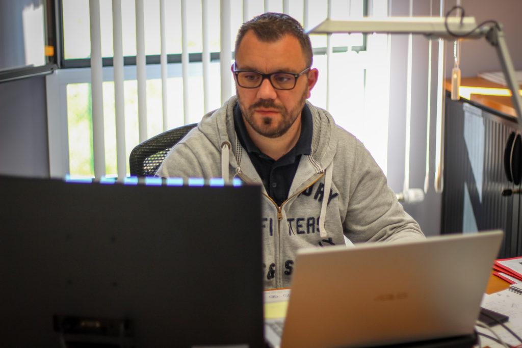 Mathias cousin reponsable maintenance systèmes coupe feu porte incendie sécurité fivo